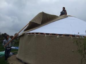 Pose de l'isolant de toit