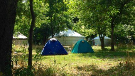 yourtes et tentent camping la frenaie